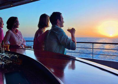 AIDAmar Sonnenuntergang auf Deck