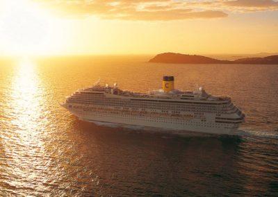 Costa Fortuna im Sonnenuntergang