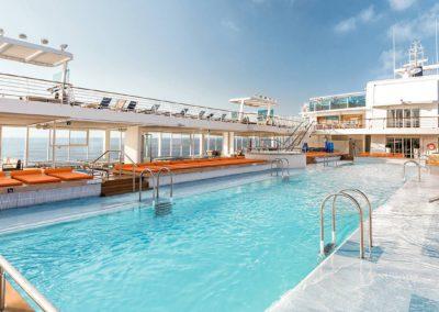 mein-schiff-4-pool