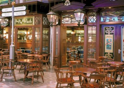 Voyager of the Seas Pub