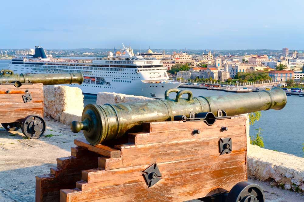 Kuba-Kreuzfahrten haben zumeist den Hafen von Havanna als Ziel