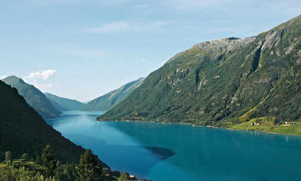 TUI Cruises nimmt für die  Kreuzfahrten 2020 zwei neue Häfen in Norwegen ins Programm.